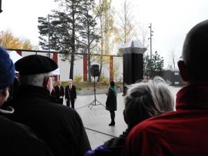 Invigning framför Eld av Ebba Bohlin